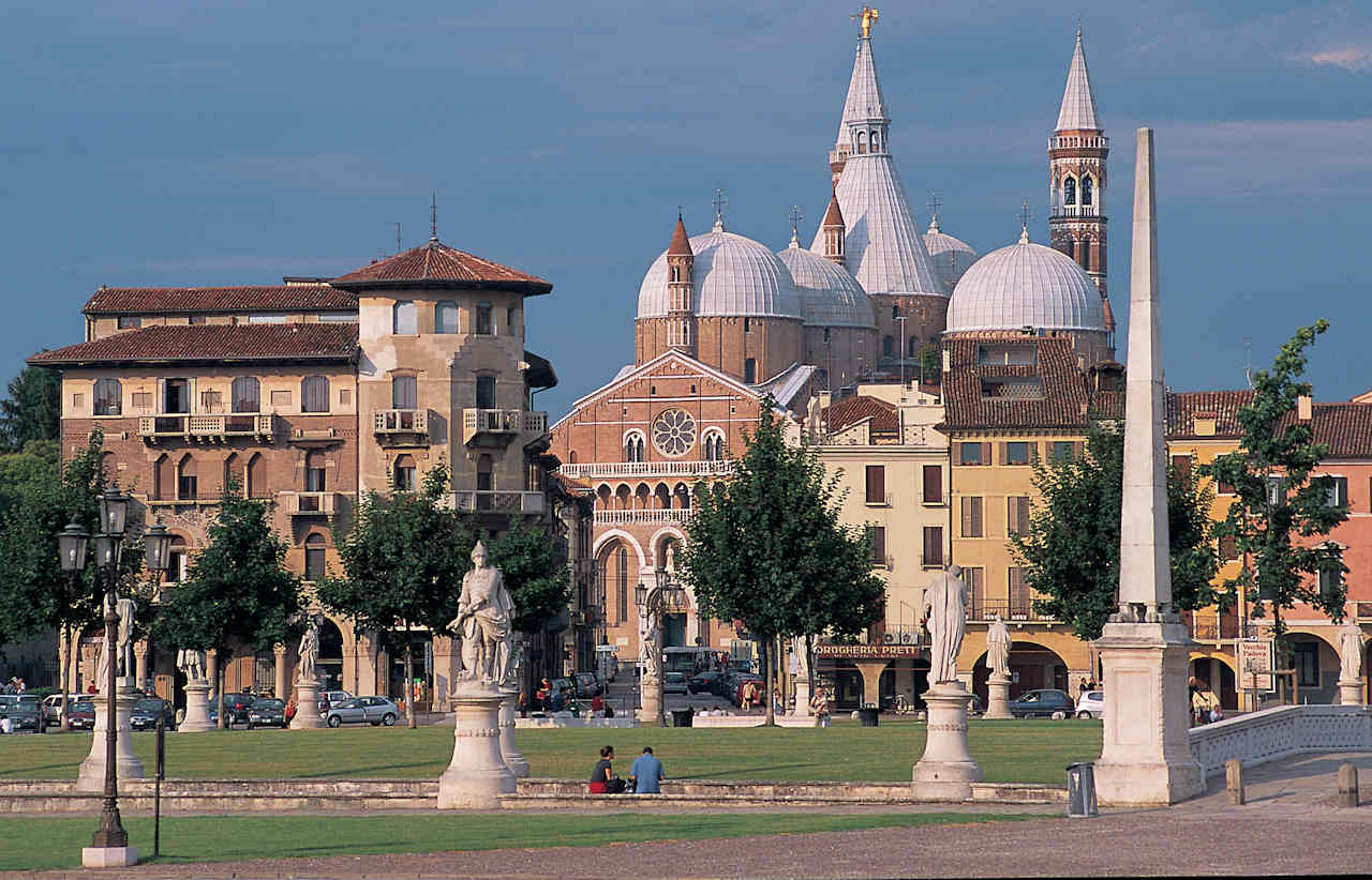 Basilica-di-SantAntonio-a-Padova